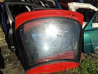 Крышка багажника со стеклом Mazda 323 F BG 1988-1994 г.в. 5дв. красная