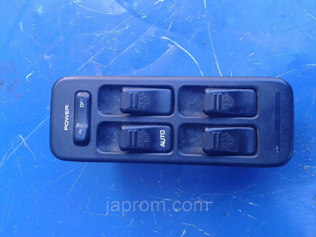 Блок кнопок стеклоподъемников (на 4дв) Mazda 323 BG 1988-1994 г.в.