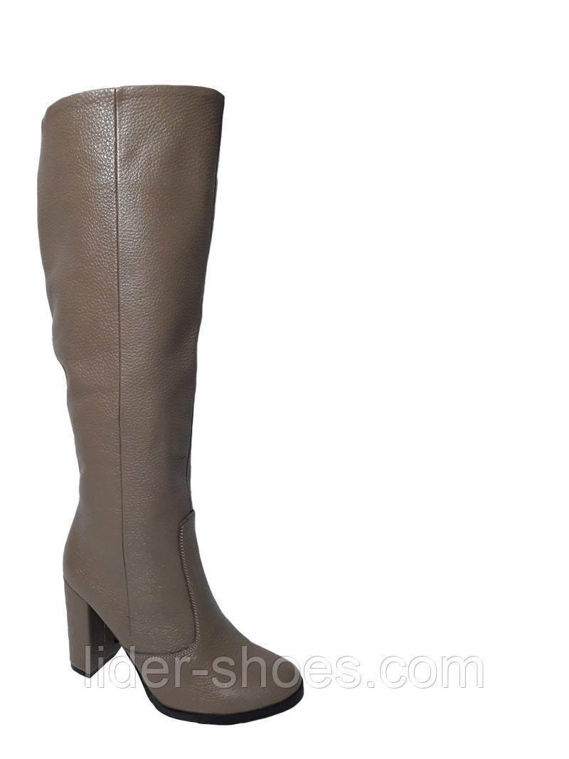 2f76ff7e Женские зимние сапоги на каблуке бежевого цвета: продажа, цена в ...