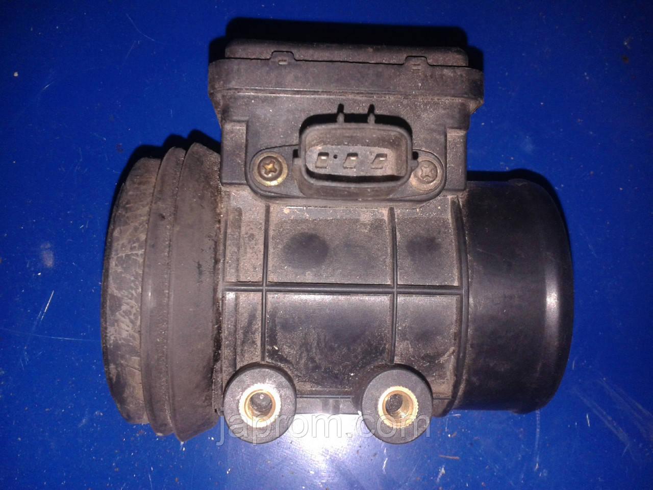 Датчик расхода (потока) воздуха, расходомер M.A.F. Mazda 323 BA B3H7 1.5 бензин