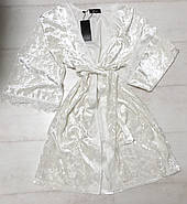 Белый велюровый халат с кружевом, фото 2