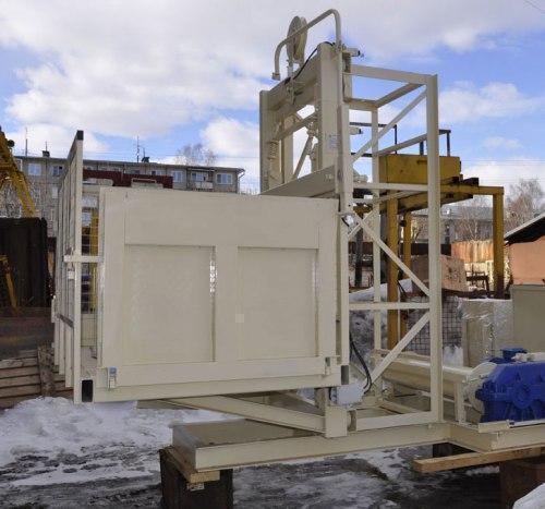 Высота подъёма Н-47 метров. Мачтовые подъёмники для подачи стройматериалов г/п 1500 кг, 1,5 тонны.