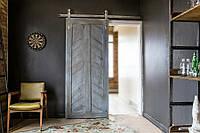 Амбарные раздвижные двери из натурального дерева под старину в лофт loft стиле
