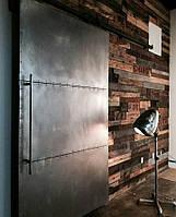 Амбарные раздвижные двери из натурального дерева и металла в лофт loft industrial стиле