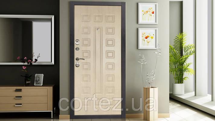 Обзор популярных моделей входных дверей для квартиры