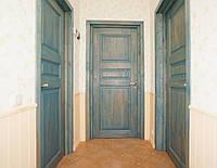 Межкомнатные двери из дерева в кантри стиле