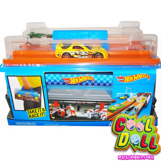 Hot Wheels Две машинки Два пускателя  Кейс гонщика Хот Вилс Race Case Track Set