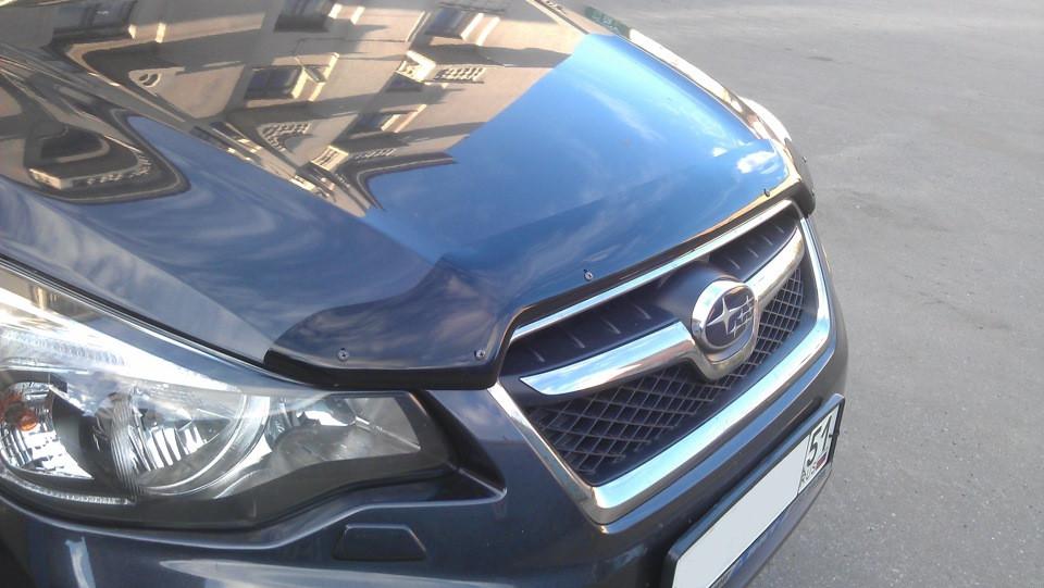 Дефлектор капота (мухобойка) Subaru Impreza 2011-/ XV 2012-, темный
