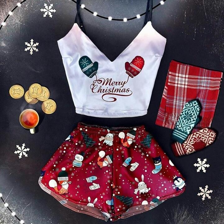 Новогодняя пижама женская Merry Cristmas с варежками шелковая