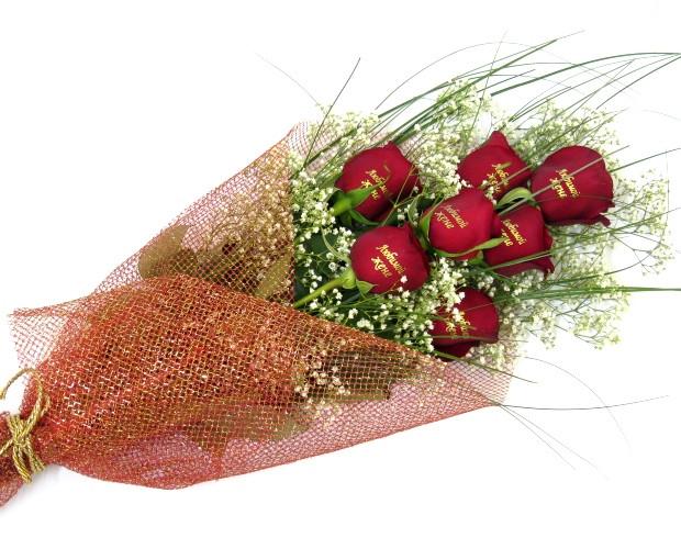"""Букет з троянд з написом """"Говорить букет"""""""