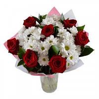 """Букет из роз и хризантем """"Симпатяжка"""""""