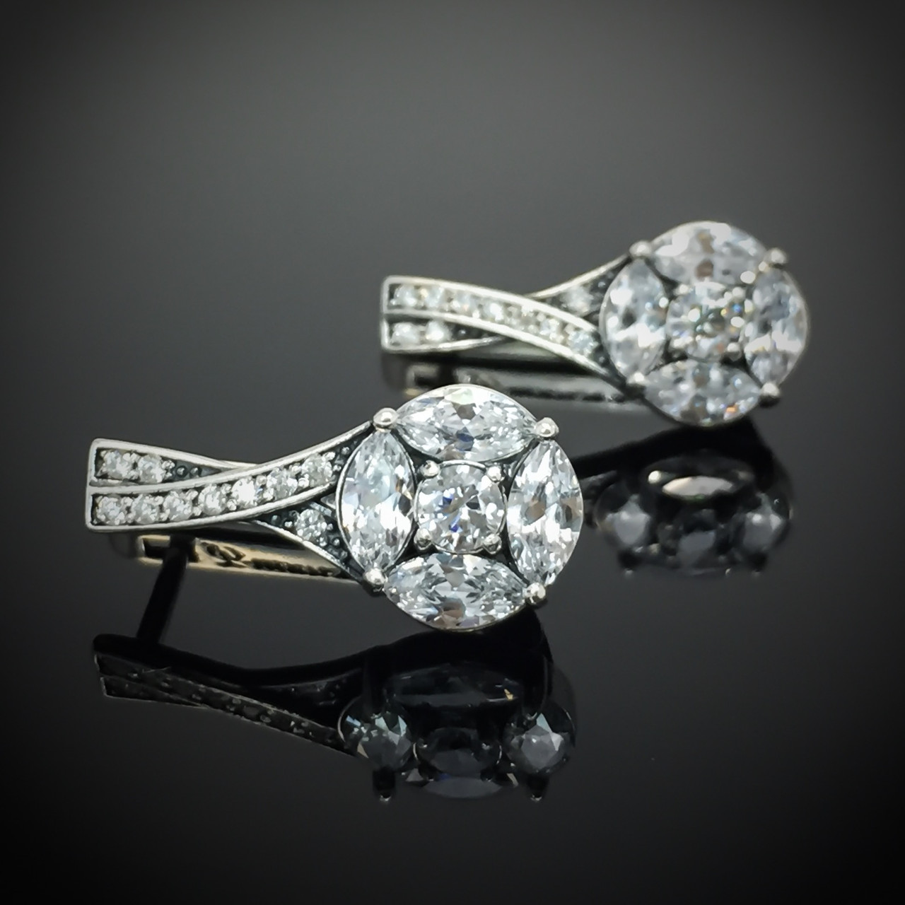 Серебряные серьги с фианитами, 30 камней