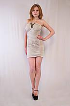 Красивое платье стрейчевое с украшением на груди и открытой спинкой