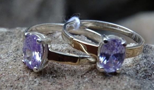 Классическое серебряное кольцо с золотыми вставками