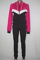Спортивный женский костюм Nike капюшон