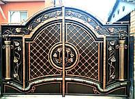 """Элитные кованые ворота с калиткой, ручная ковка. Покраска """"Alpina""""."""