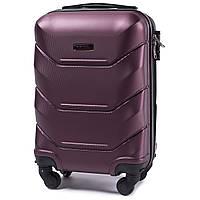 Микро пластиковый чемодан Wings 147 на 4 колесах бордовый