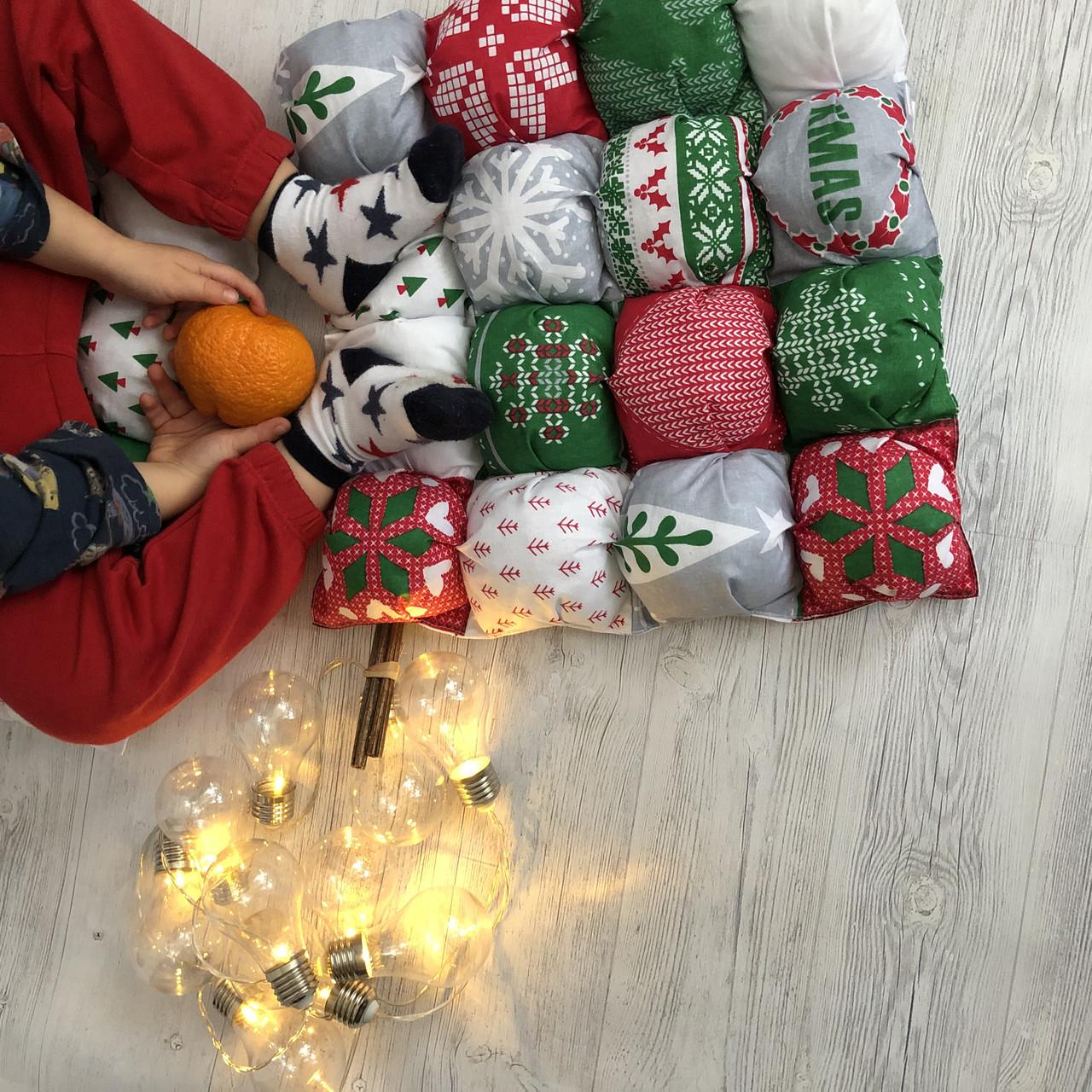 """Декоративна подушка-сидушка бомбон """"Різдво"""""""