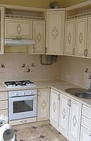 Кухня на заказ МДФ с золотой патиной, фото 1