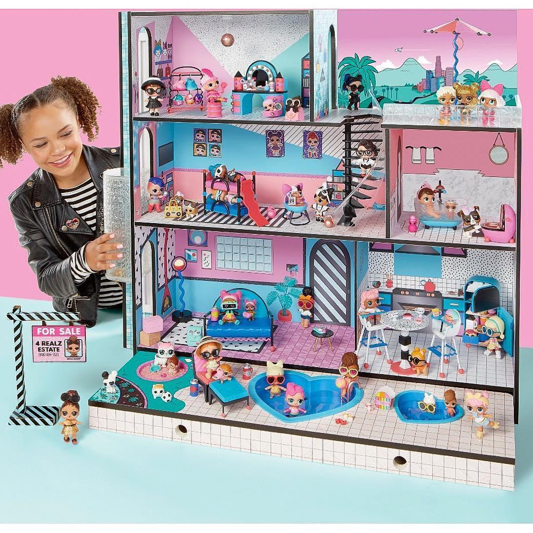 Ігровий Меганабір з ляльками L.O.L. - Модний особняк з аксесуарами (ексклюзивна сім'я L.O.L. у комплекті)