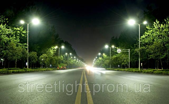 Монтаж опор уличного освещения