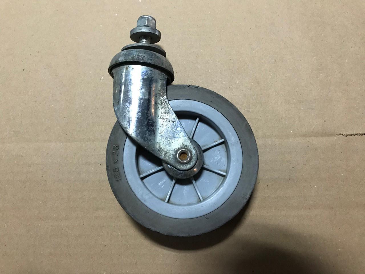 Промышленные колеса б/у для складских и торговых тележек, покупательских корзин 125мм