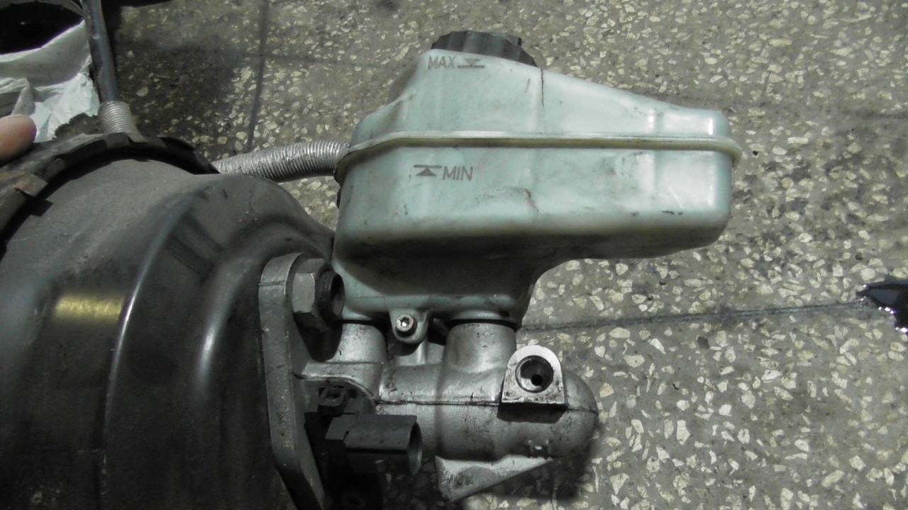 1K2614019J Главный тормозной цилиндр Skoda Superb B6