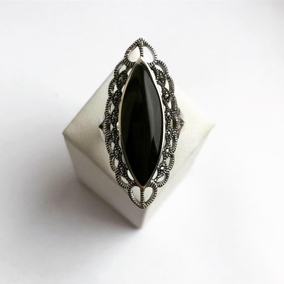 Кольцо перстень из серебра с ониксом (Размер 19,5)