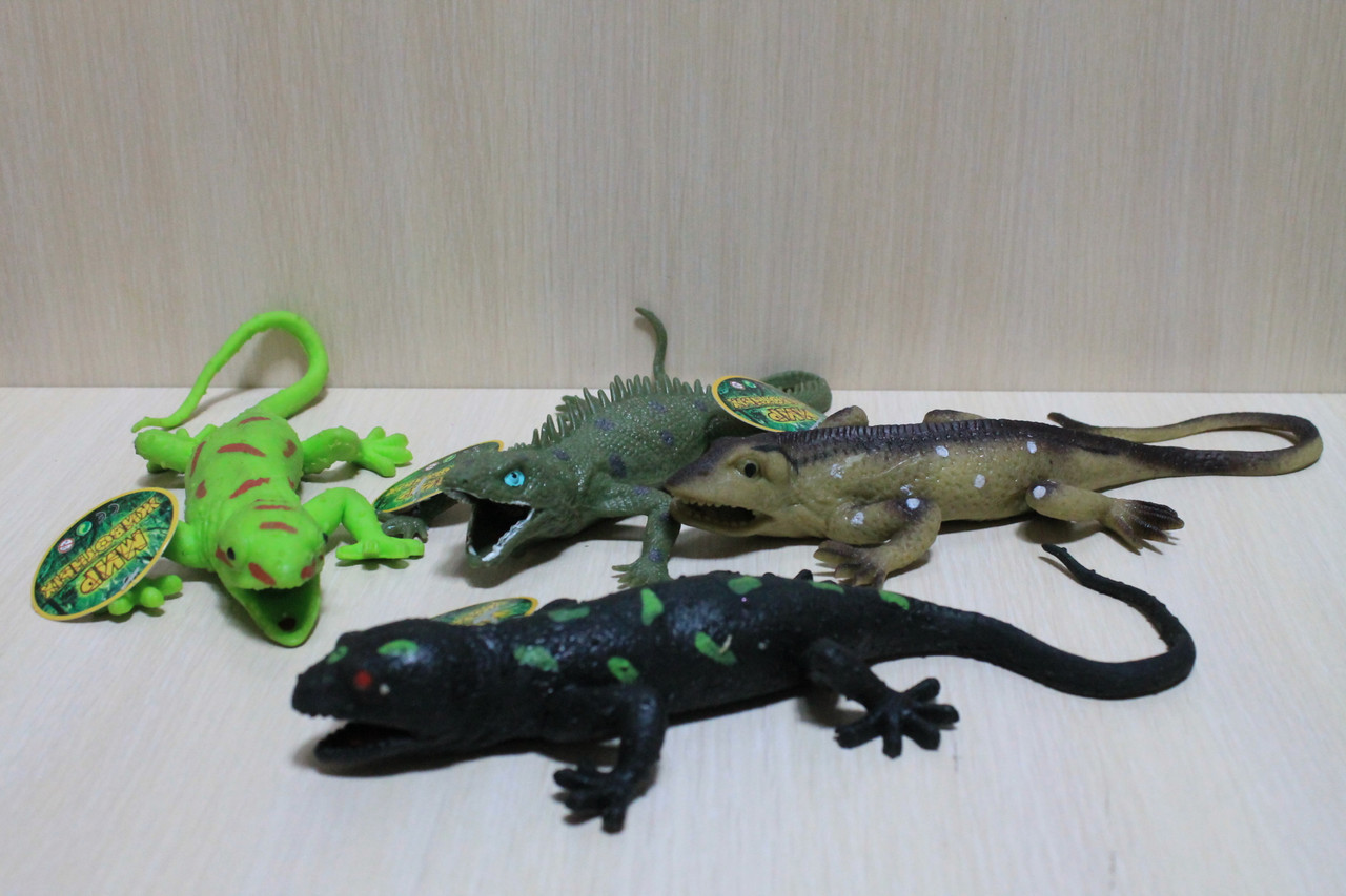 7425 Животные резиновые Крокодилы в коробке 27*20*6 см
