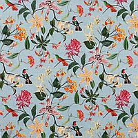 Ткани для штор с крупными цветными растениями и птицами на светло-голубом