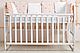 Деревянная кроватка AMELI с подвижной боковиной с дугами на колесиках, фото 2