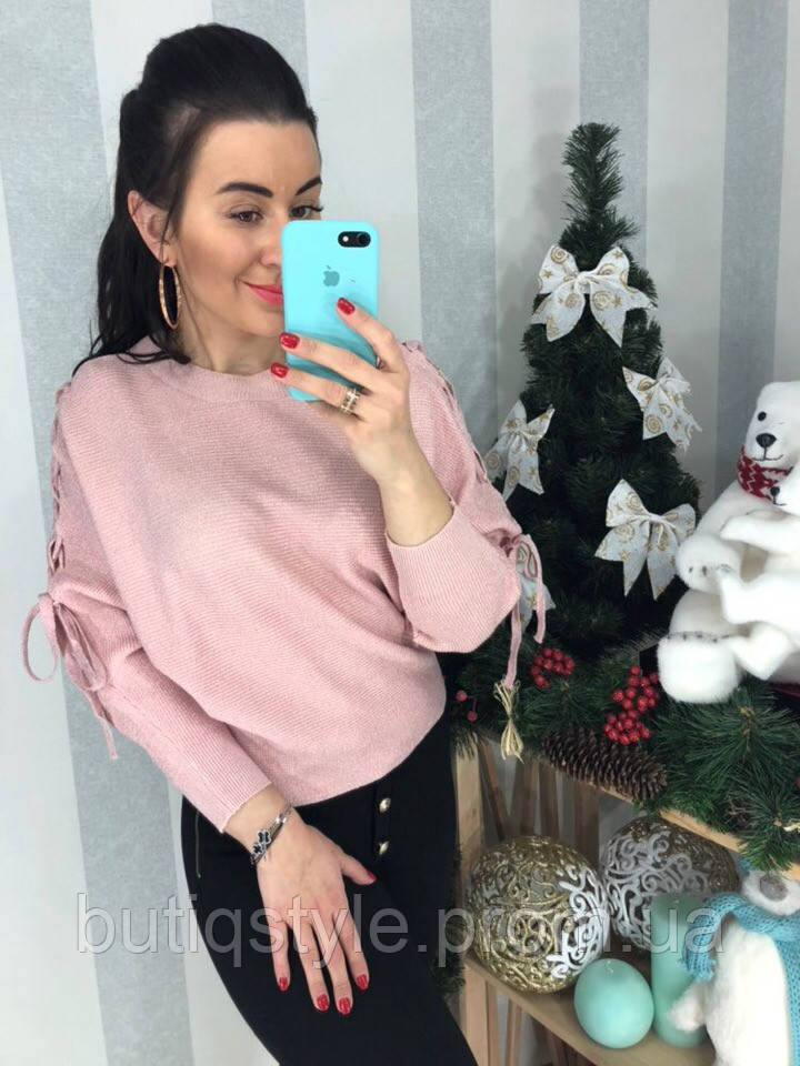 Женский свитер с люрексом декорирован завязками