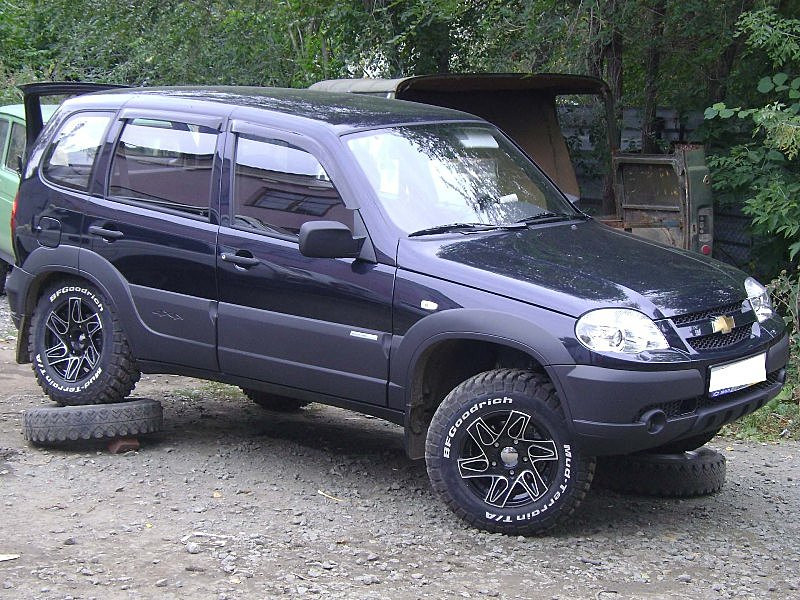 Дефлекторы окон (ветровики) Chevrolet NIVА 2002-