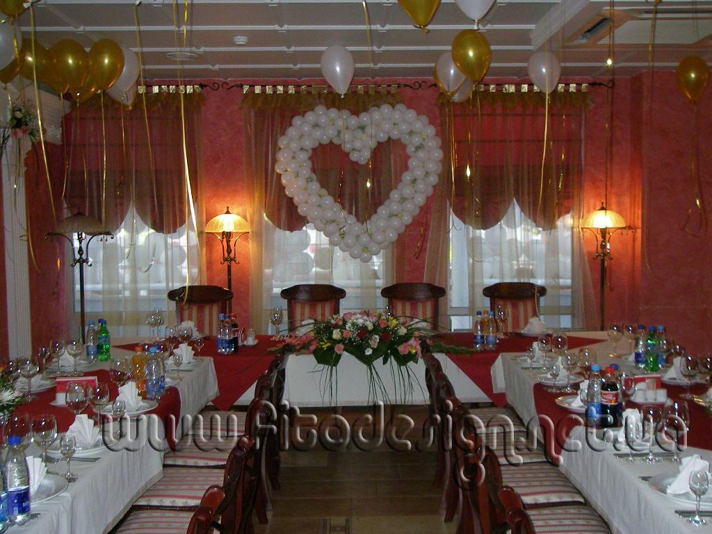 Комплексное украшение свадьбы живыми цветами Киев