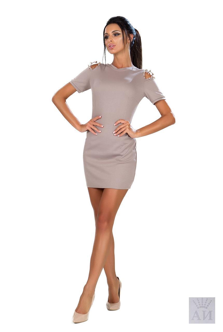 Стильное Платье с Открытой Спиной и Шипами на Плечах — в Категории