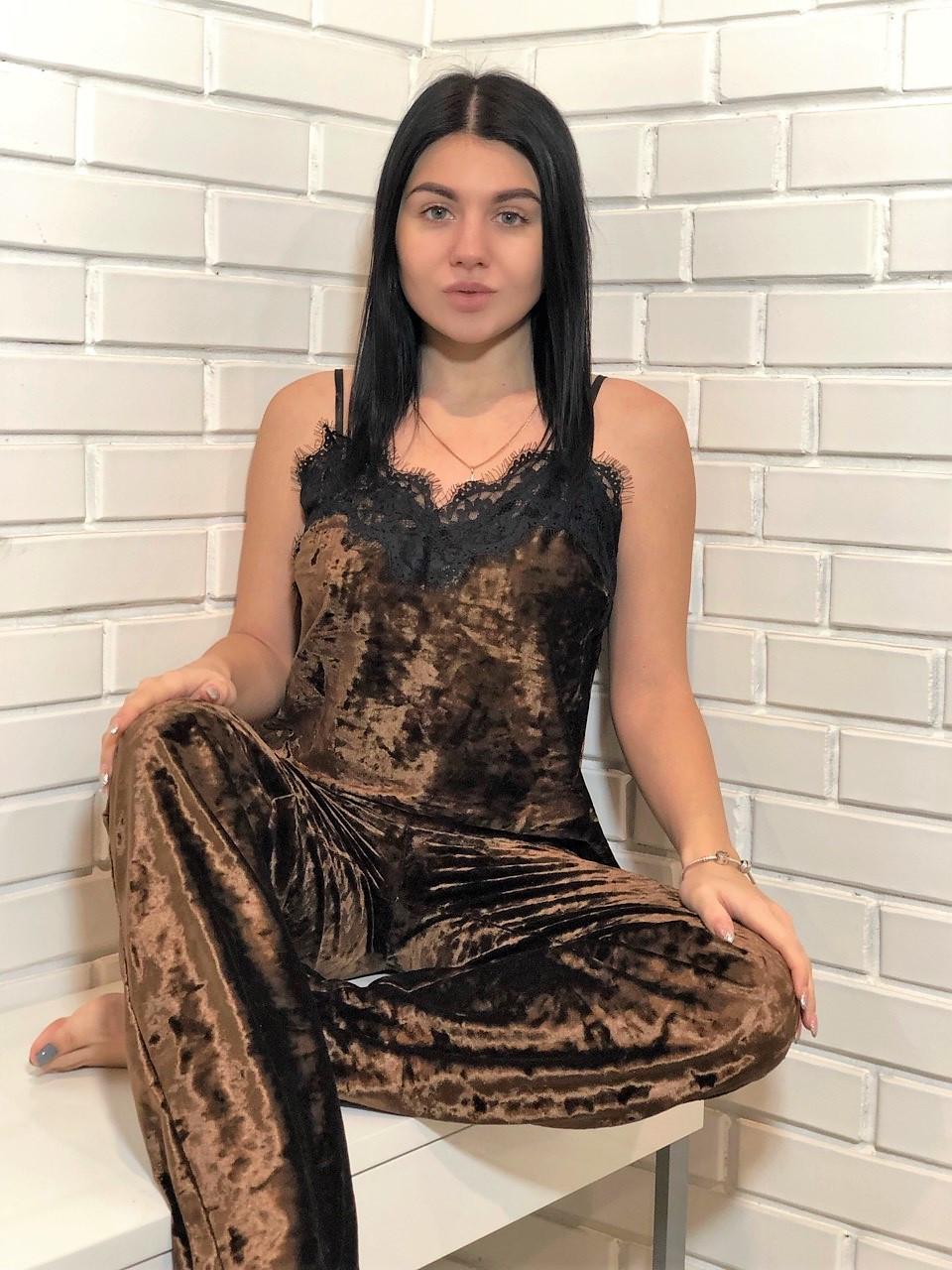 Шоколадный роскошный комплект пижамы ТМExclusive: майка с кружевом и штаны из мраморного велюра