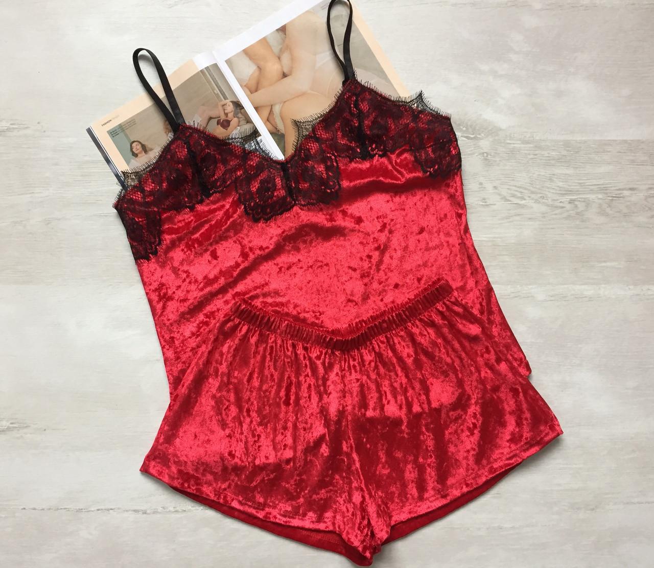 Пижама женская велюровая майка и шорты красная 01