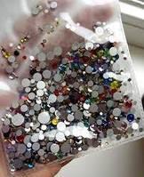 Стразы стекло микс размеров и цветов 720 шт