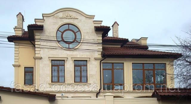 Декорирование фасада из травертина