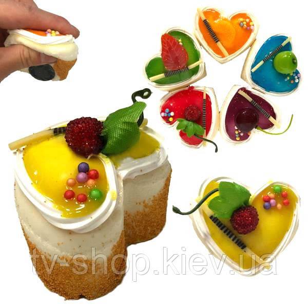 """Сквиш-магнітик """"Тортик з фруктами"""""""