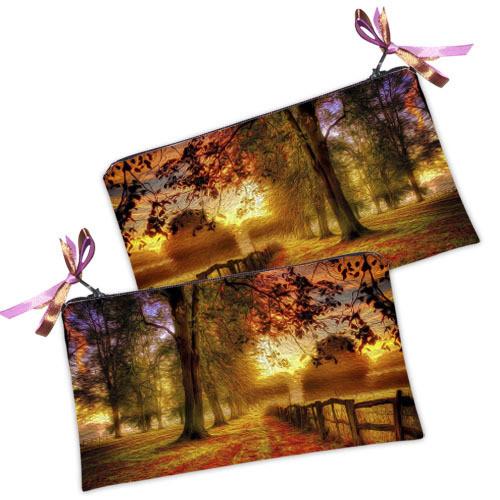 Стильная женская косметичка на молнии принт Осень