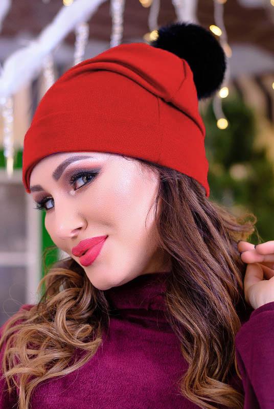 Красная шапка с бубоном Песец