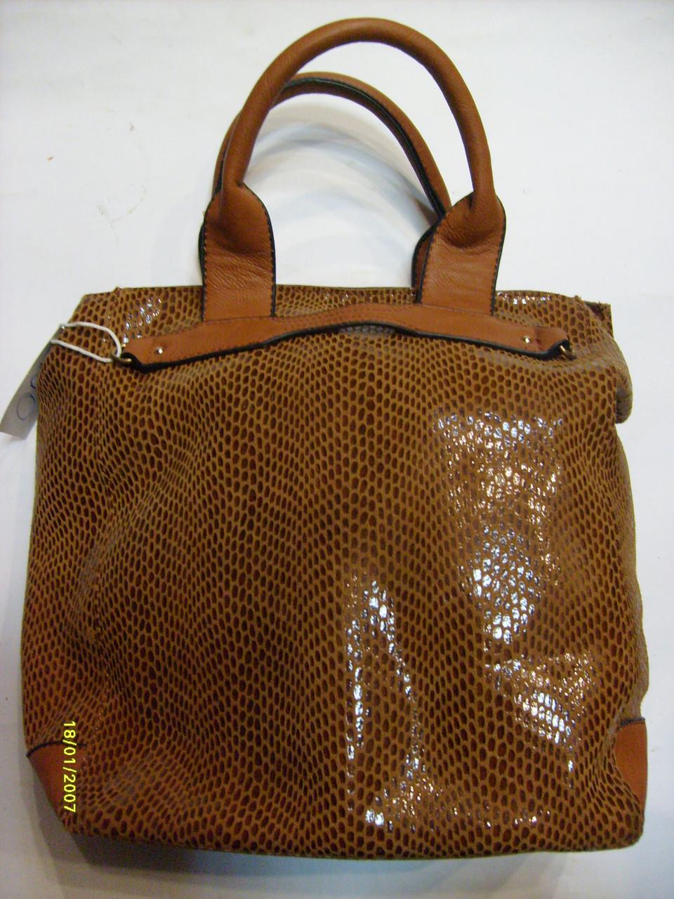 Сумка женская из лазерной кожи. Код 89740 коричневая.