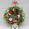 Венок новогодний из литой хвои, ягодами  35 см