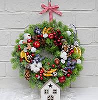 Венок новогодний из литой хвои, ягодами  35 см, фото 1
