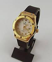 Часы женские наручные Hublot Geneve 882888 черные с золотом