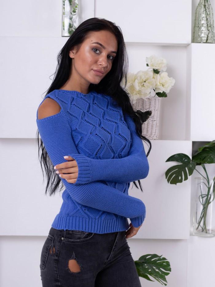 Интересный синий свитер с вырезами 200