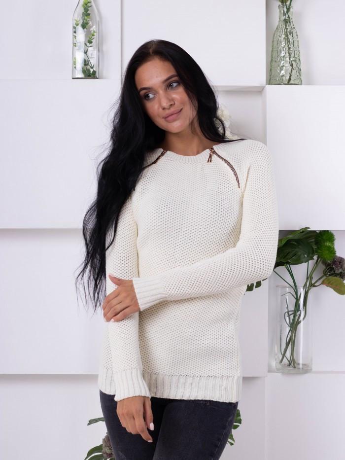 Женский свитер крупной вязки молочного цвета 176