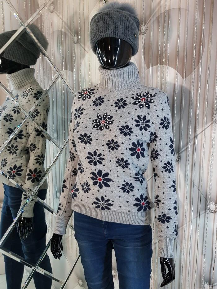 Теплый свитер двойной вязки бежевого цвета 906