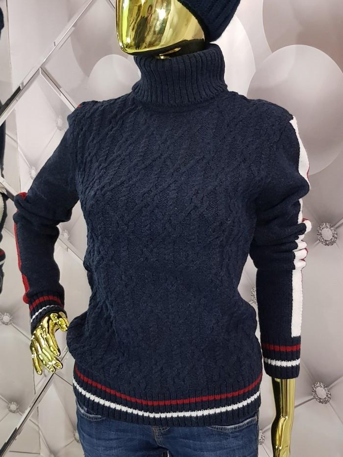 Стильный синий свитер с жаккардовыми полосами на рукавах 935